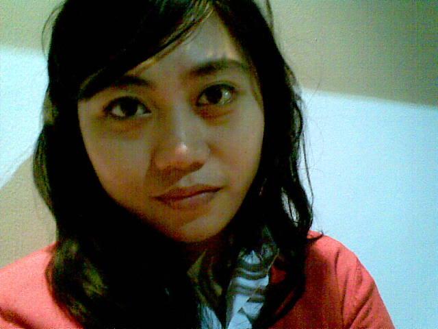 Nama lengkap saya Dewi Pratiwi, teman-teman saya biasa memanggil saya Dewi. Saya lahir di Jakarta 23 maret 1990. Tahun 1995 keluarga saya pindah dan menetap ... - foto203
